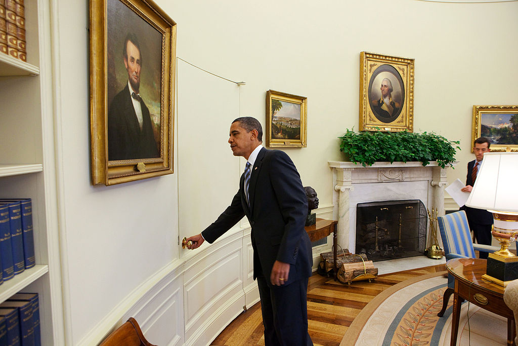 Obama Engrossed By Republican Primaries Forgets
